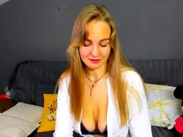 jessika_bella blowjob show from Chaturbate
