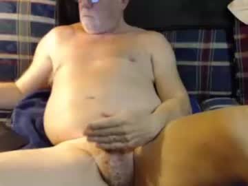 joe1949 record video with toys from Chaturbate
