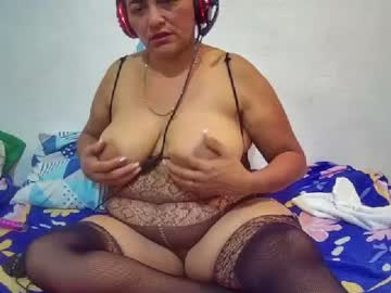 lanuevaveterana record blowjob video from Chaturbate.com