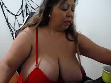 shirleylove10 public show from Chaturbate.com