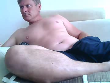 johnnym8 record webcam video from Chaturbate