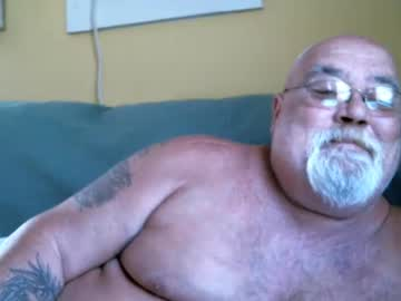 mikehunt651966 webcam video from Chaturbate