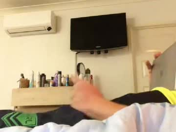 footyshrts79 record webcam video from Chaturbate