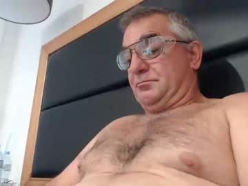 garry19march blowjob show from Chaturbate.com