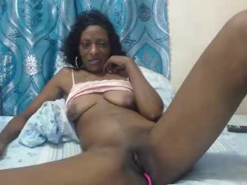 icequeenebony record show with toys from Chaturbate