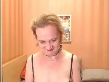 brendasunny public show from Chaturbate