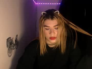 ina_blondie chaturbate show with cum