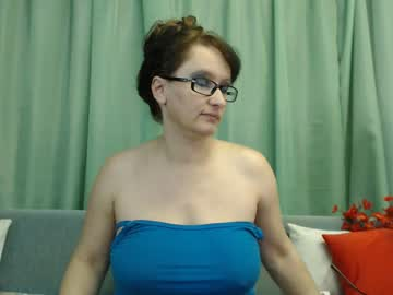 ladymagickiss chaturbate public show video