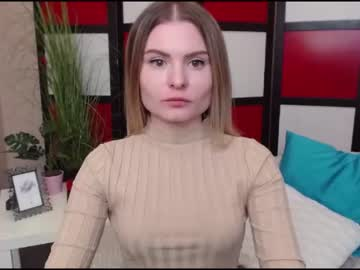 madlenmia record blowjob video from Chaturbate.com