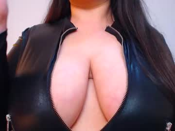 alessiarayy record show with toys from Chaturbate.com