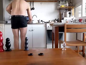 _bubble_buttfunxxx video with dildo from Chaturbate.com