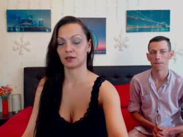 0hnaughtycouple premium show from Chaturbate