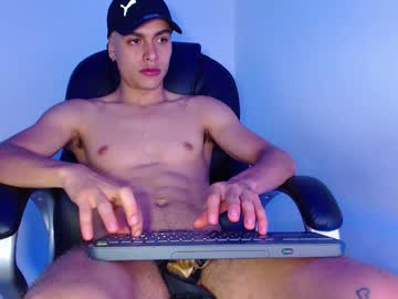 zach_libby chaturbate blowjob video