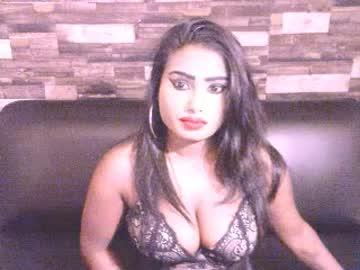 sexynelisha record video with dildo from Chaturbate.com