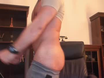 casualguy2021 webcam show from Chaturbate.com