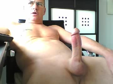 pappnase111 public webcam from Chaturbate