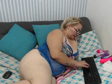 yakelinh1986 blowjob show from Chaturbate
