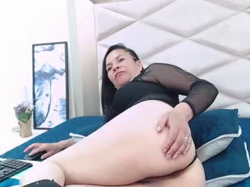 chantalroberts_ private show from Chaturbate.com