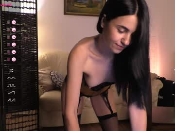 luluvaine_ public webcam video from Chaturbate