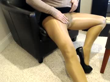 nylons99 record private show from Chaturbate.com
