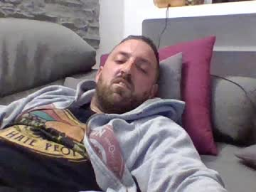 lucabeech88 webcam show from Chaturbate
