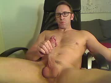 camdudeshowoff cam video from Chaturbate.com