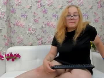 sophie_brookss chaturbate blowjob video