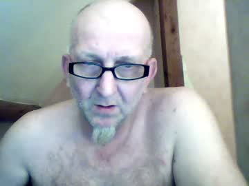 xaviersuperfoun record video with toys from Chaturbate