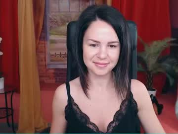 vicky_honey public show from Chaturbate