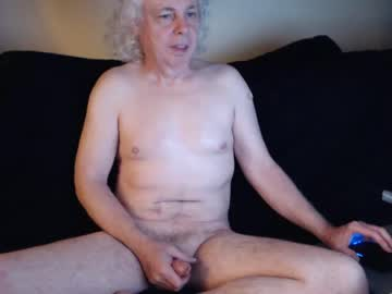 axleroze video with toys from Chaturbate.com