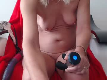 lindahotschot private show from Chaturbate.com