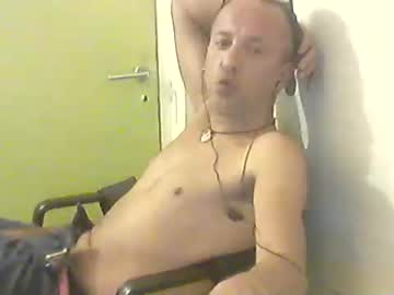 regerqyt show with toys from Chaturbate
