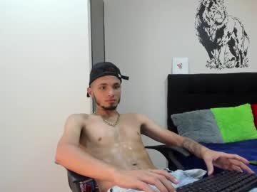 cristopherbrawn record video with dildo from Chaturbate