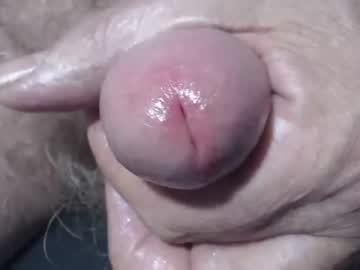 fuzzzman chaturbate show with cum