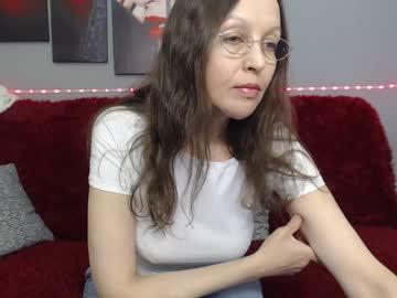 sylviafoxy webcam show