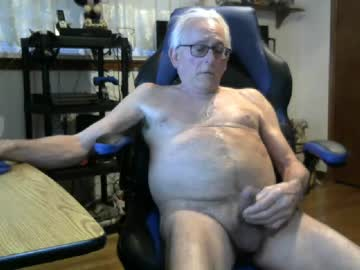 davesplace1919 public show from Chaturbate