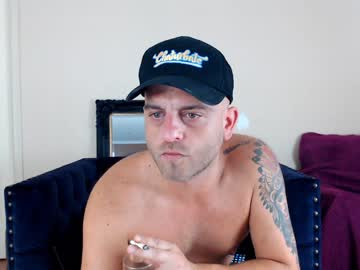 crazyhornystr8 record webcam video from Chaturbate.com