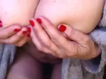 hornylouve show with toys from Chaturbate.com