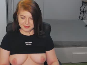 zuzyyy show with toys from Chaturbate.com