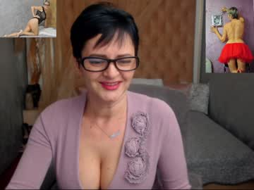naughty_gloria public show from Chaturbate