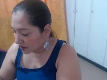 _candymature_ show with toys from Chaturbate.com