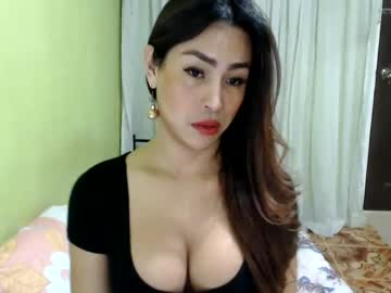 sizzlingpatricia record blowjob video from Chaturbate