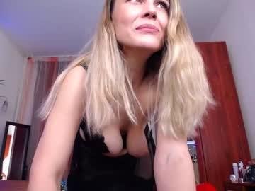 spicyhotmilf video with dildo