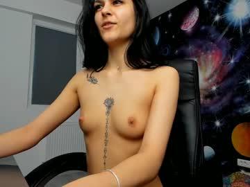 jasminee18 public webcam video from Chaturbate