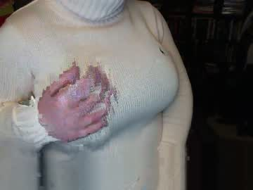 sassy_turtleneck public webcam video from Chaturbate.com