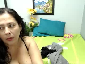 scarletterose19 record webcam show from Chaturbate