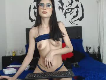 lily_courtney chaturbate webcam