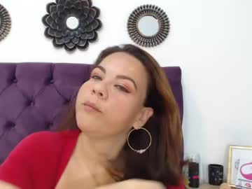 molly_boobsx record public show from Chaturbate.com