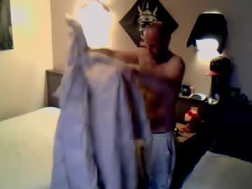 baxwargrum record public show video from Chaturbate.com