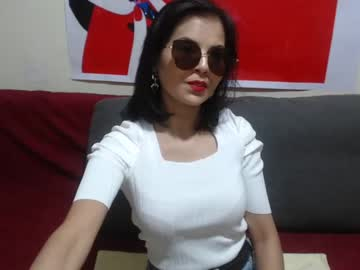 elizabethasian video from Chaturbate.com